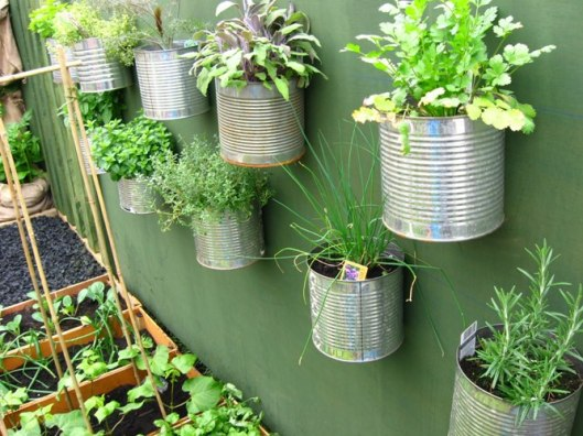 recycle old tins